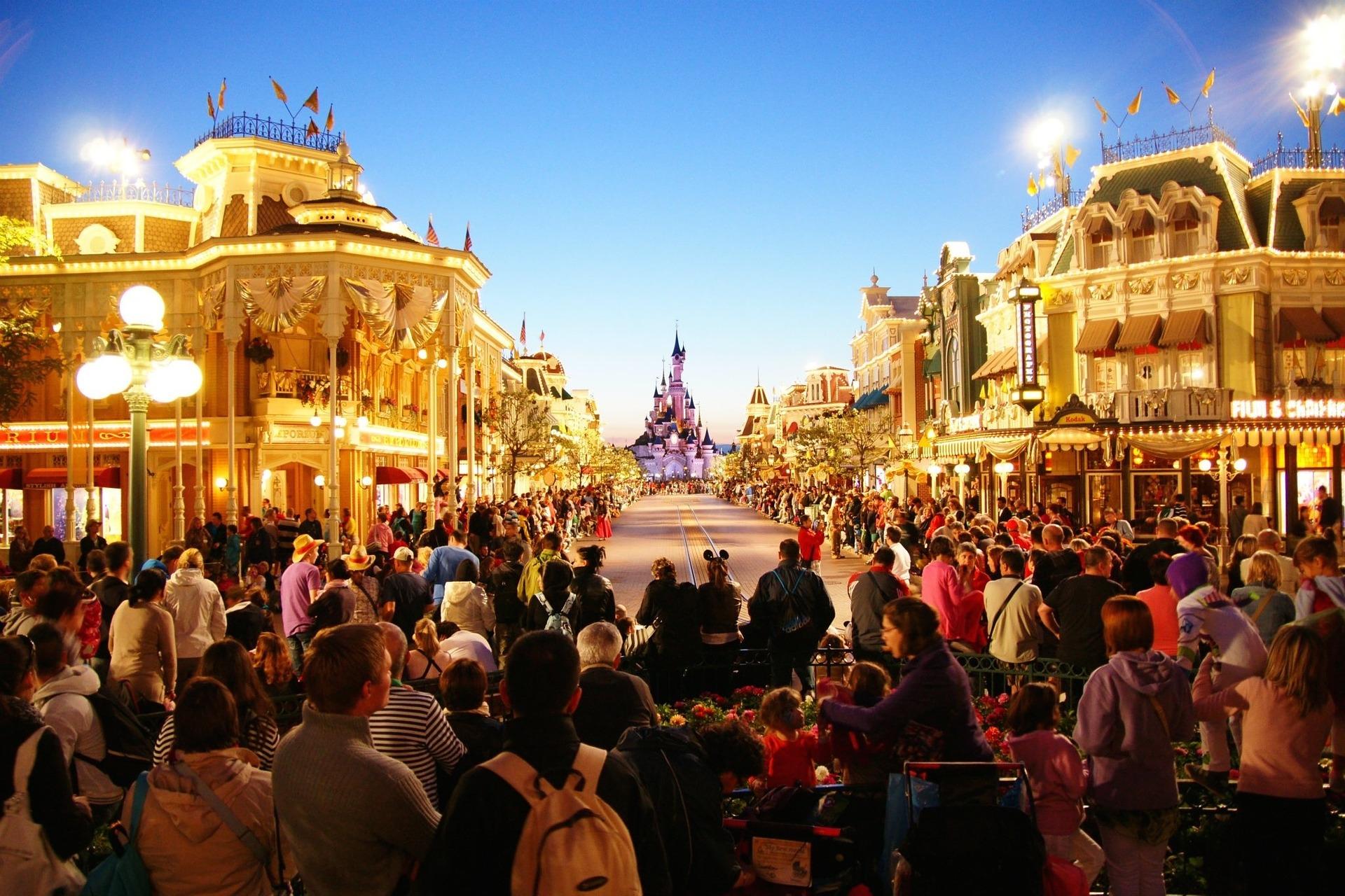 Come risparmiare per Disneyland Paris e far felice tutta la famiglia