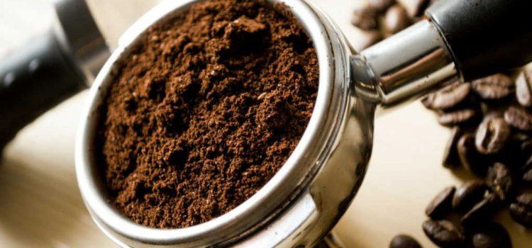 Fondi di caffè: come utilizzarli per risparmiare